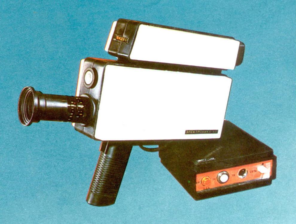 «Электроника-821» — одна из первых видеокамер для любителей, 1985 год.