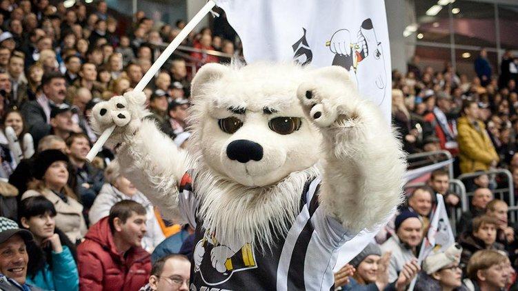 Маскот клуба - белый медведь