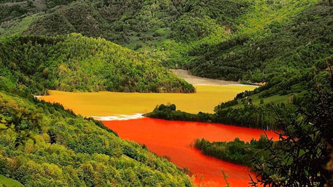 Целая деревня утонула в токсичном озере: кадры разрушений