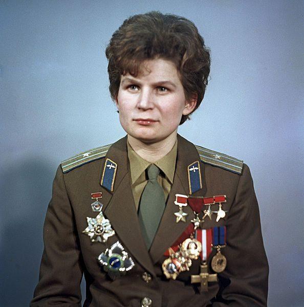 Советские покорители космоса