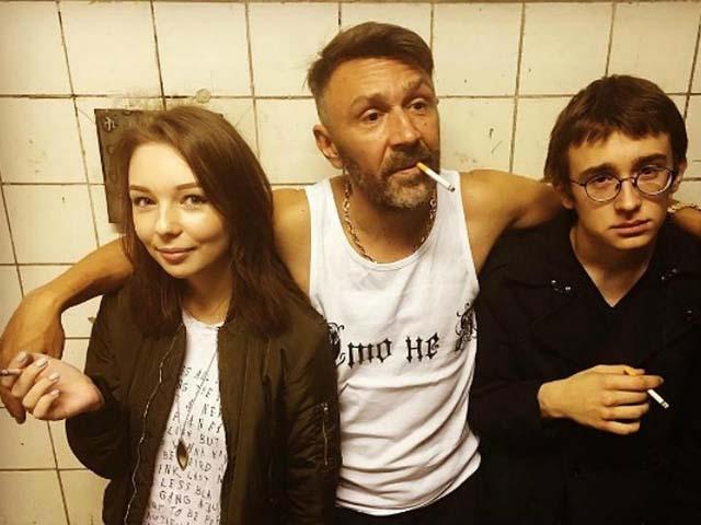Шнур как символ новой культуры РФ: гопник и матерщинник попал в жюри «Голос-2018»