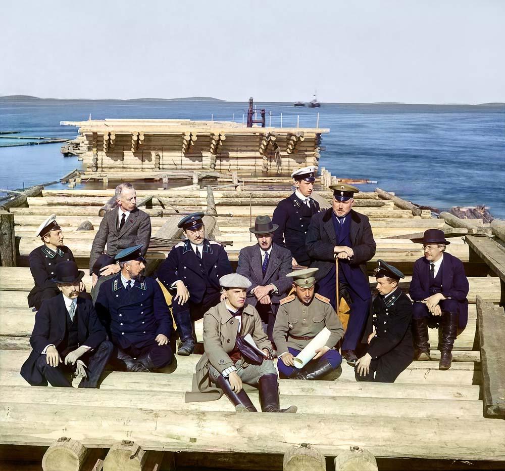 Группа участников железнодорожной постройки, 1916 год