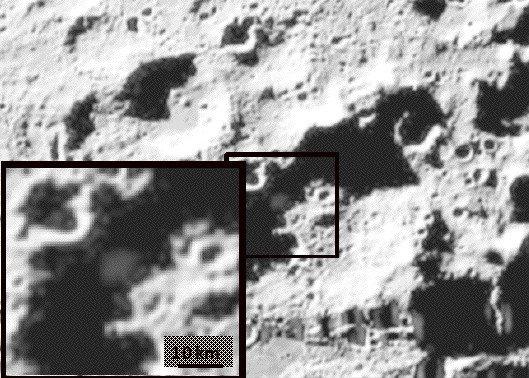 Возникшее после столкновения облако пыли. Фотография была сделана аппаратом LCROSS. Credit: NASA.