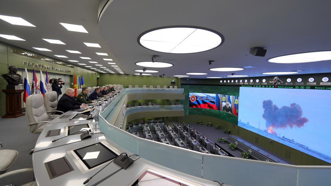 Президент РФ Владимир Путин наблюдает в режиме видеоконференции за пуском ракеты комплекса «Авангард»